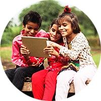 テクノロジーを楽しむ子供たち