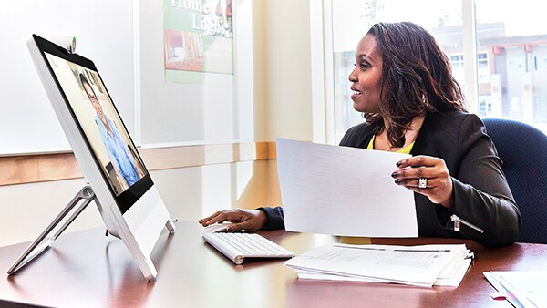 Increase your financial experts' productivity with Cisco Webex.