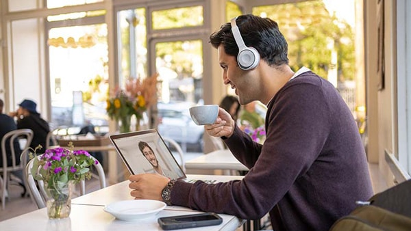 Cisco Headsets: Extending the seamless collaboration experience