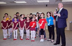 Anthony Elvey with Huang Dou Dou, Ellen Weinstein, and Dancers of the Children's Palace